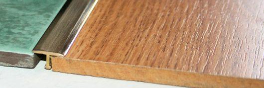 Т-порог из латуни шлифованный 26 мм.